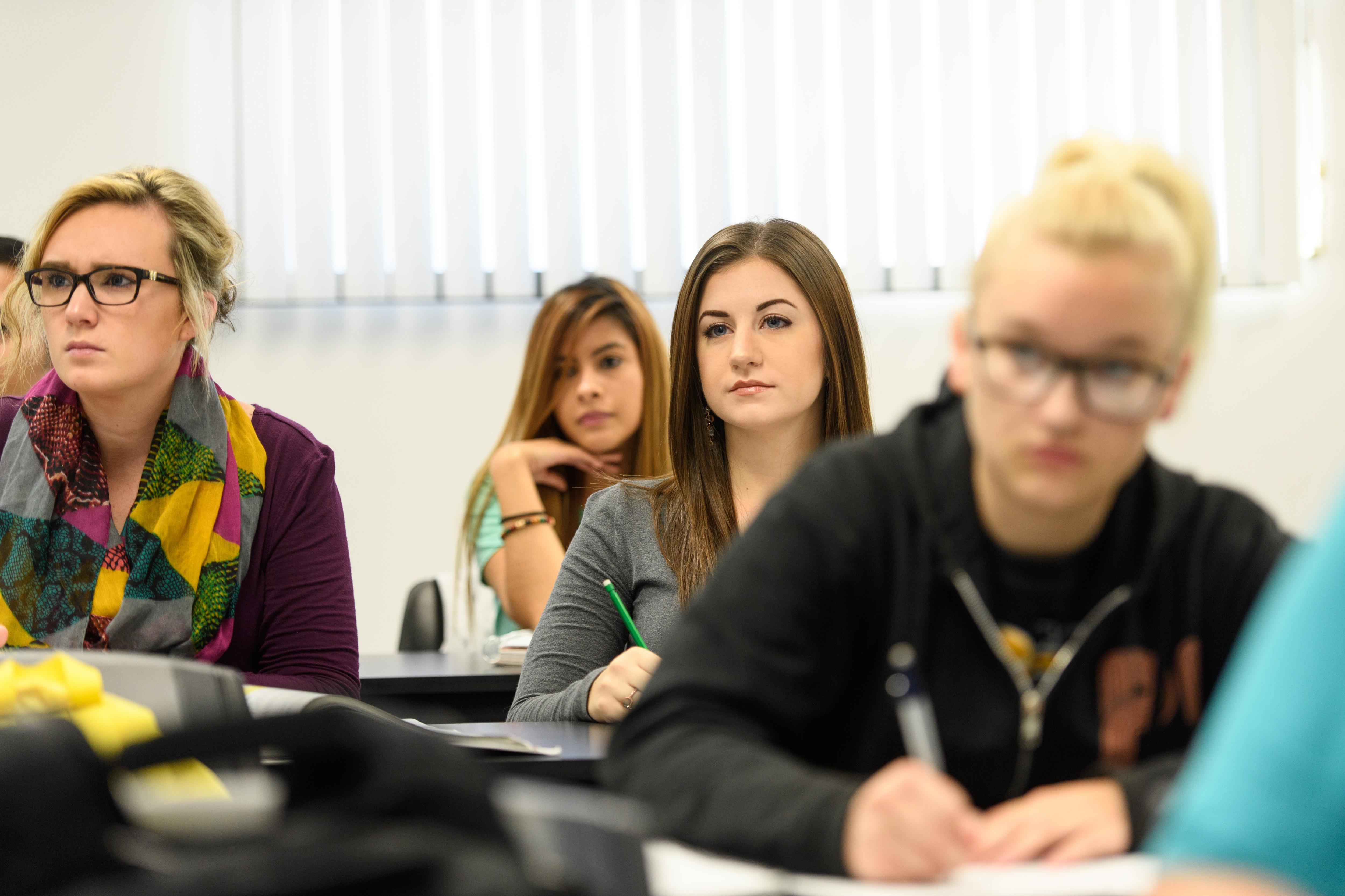 student loan myths busted jjc joliet junior college fafsa classroom money amount