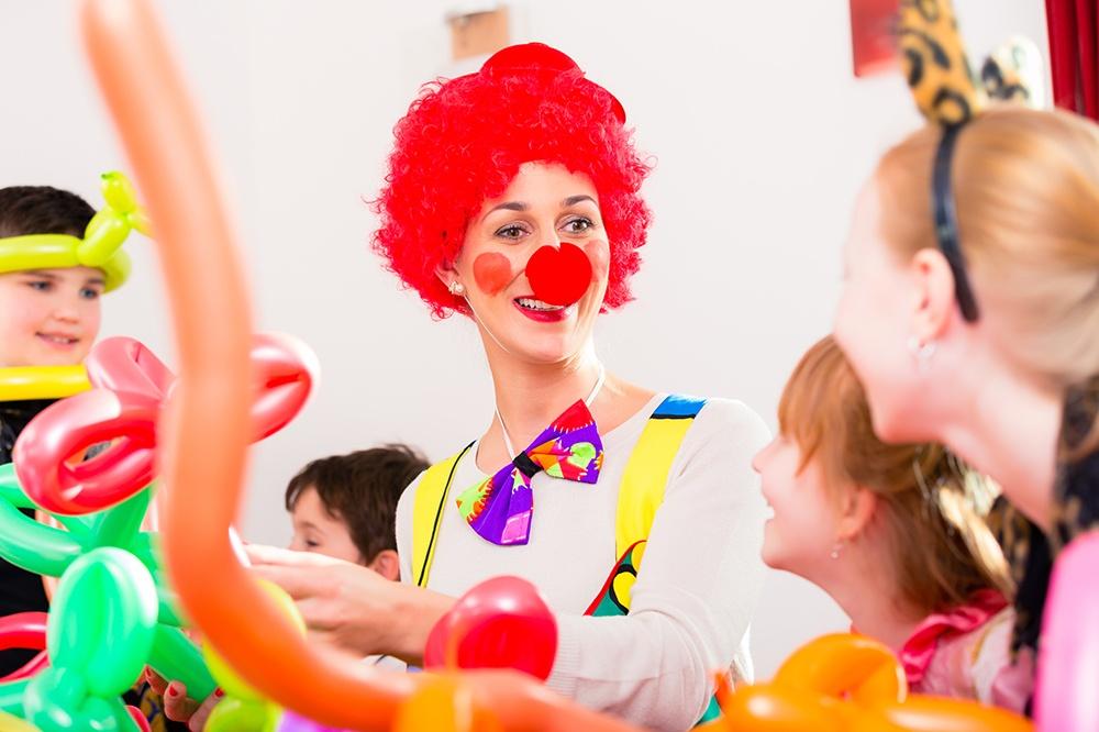 8 best part time jobs for students jjc joliet junior college birthday party character clown princess superhero