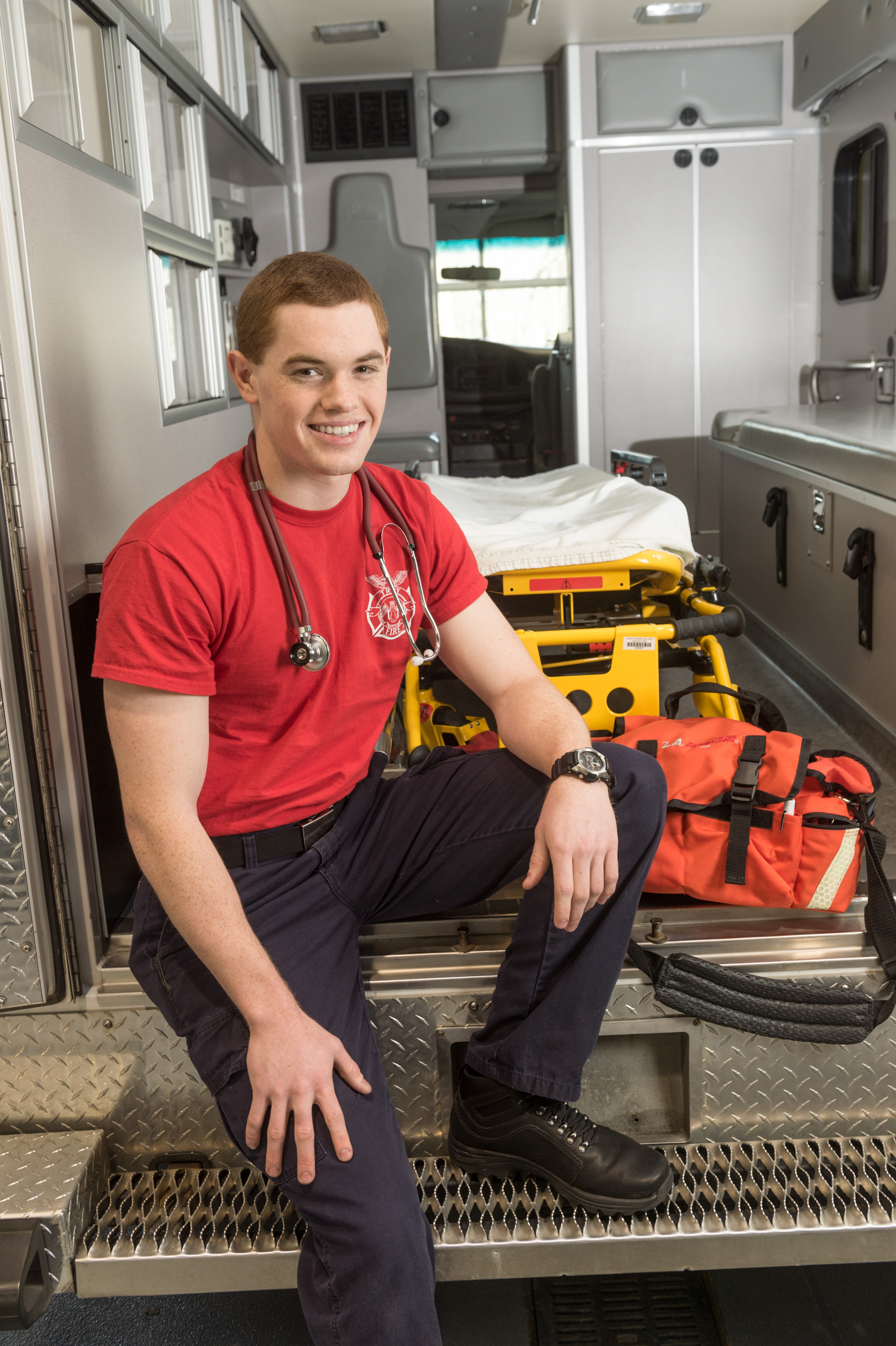 emt paramedic student 11 hot careers you can study for at jjc joliet junior college