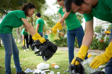 5 places to volunteer in the joliet area joliet junior college jjc helpers of mother earth